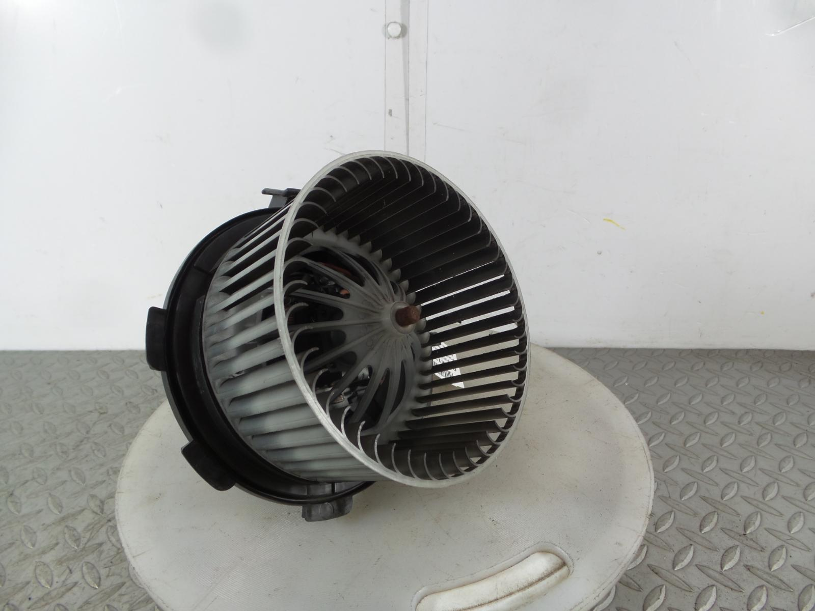 2013 Mercedes Sprinter Heater Blower Motor A0008356007 303