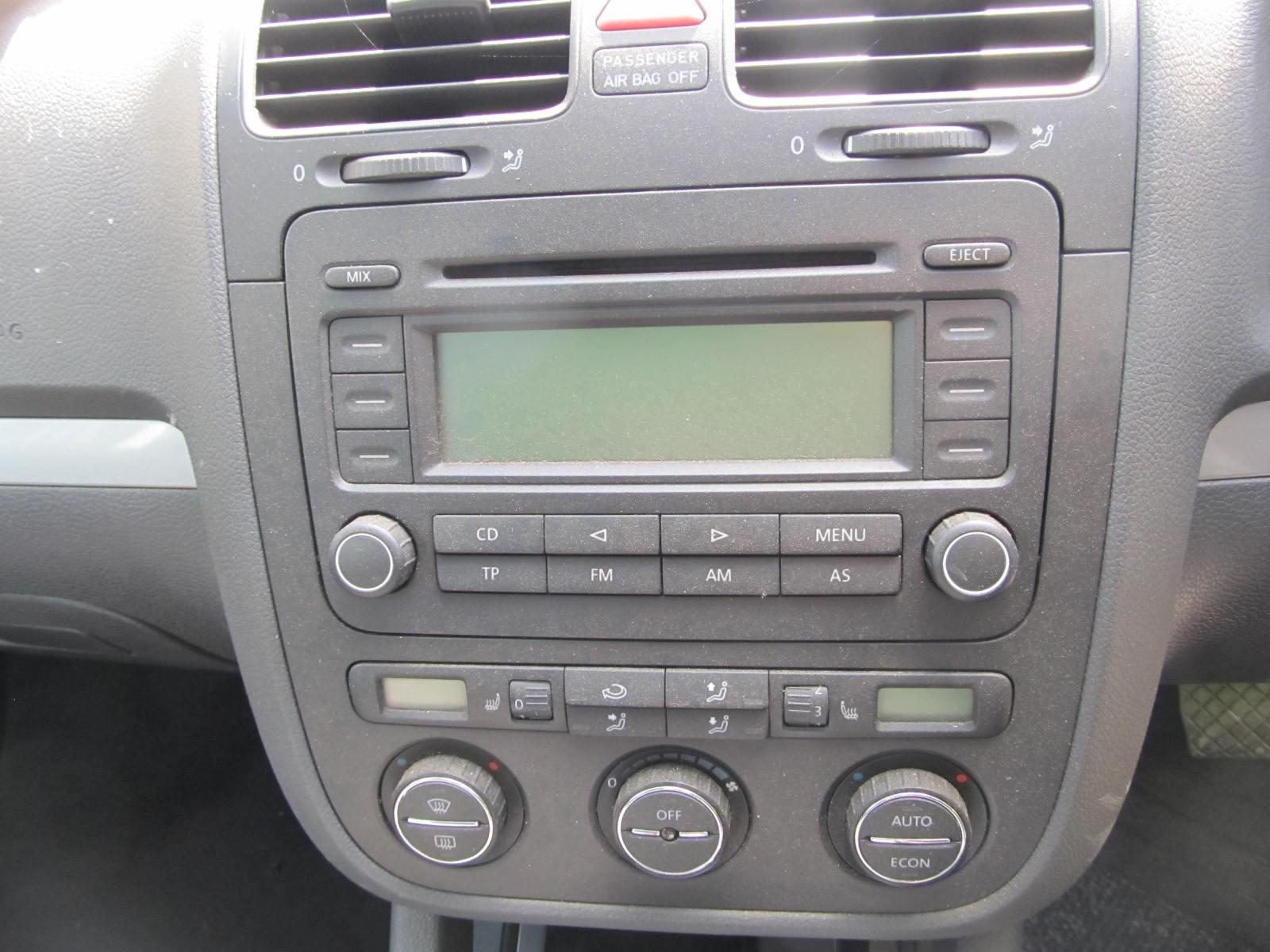 2004 vw golf mk5 passat touran caddy rcd300 cd player head. Black Bedroom Furniture Sets. Home Design Ideas