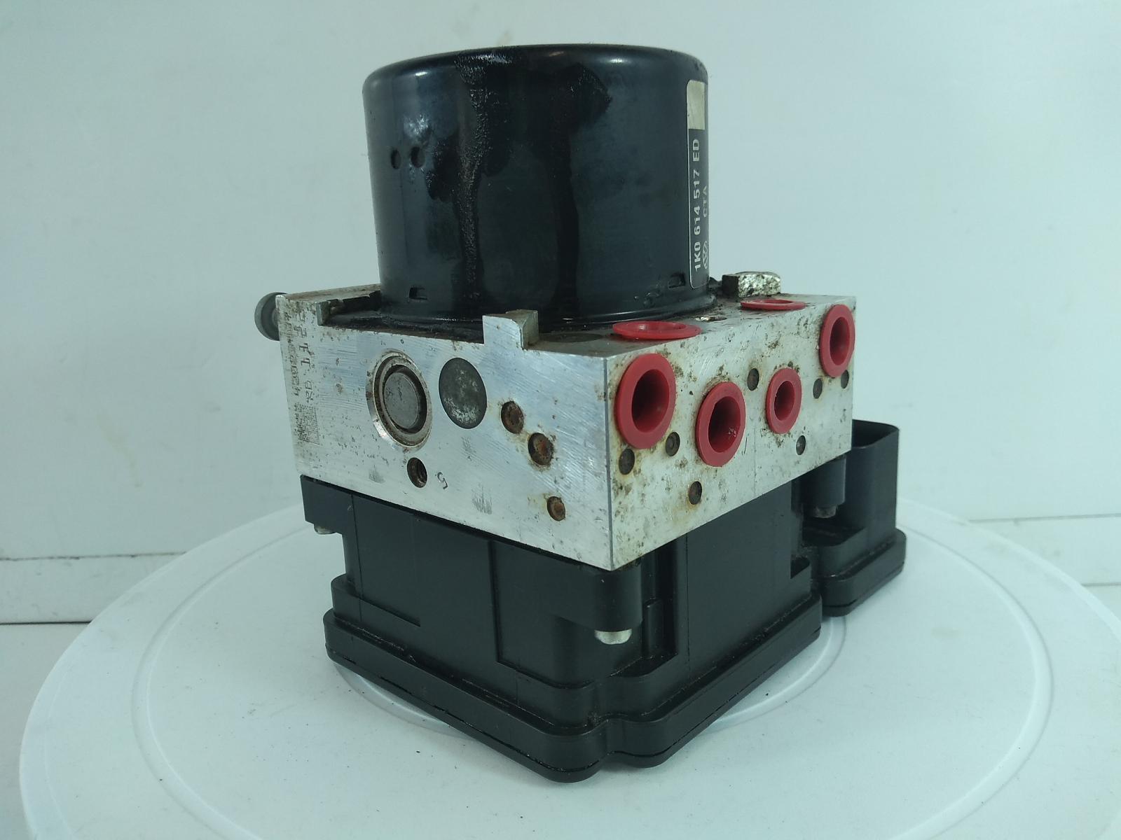 2014-VOLKSWAGEN-CADDY-Mk3-ABS-Pump-273